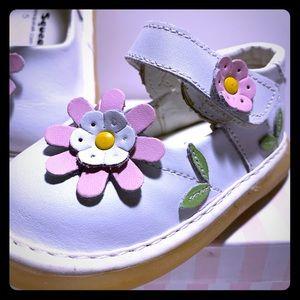Wee Squeak White Daisy Leather Shoes